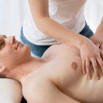 Atemtherapie in der Physiotherapie ausstreichen der Intercostalräume